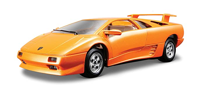 Amazon Com Bburago Lamborghini Diablo 1 24 Scale Toys Games