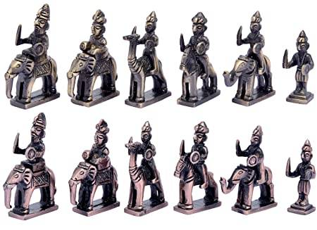 Metal Brass RAJSTHANI (AMBAWADI) Chess Figures, Antique Showpiece Decorative Gift Item (Brass Antique & Copper Antique)