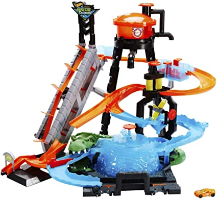 Amazon Com Hot Wheels Ultimate Gator Car Wash Playset Toys Games