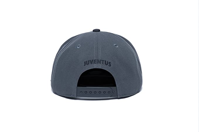 1edf99f1fb6 Amazon.com   Fi Collection Juventus Cool Snapback Hat   Sports   Outdoors