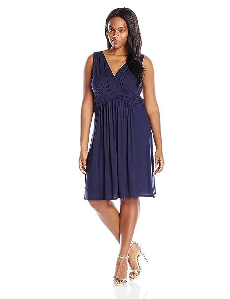 cdab2d178ce Star Vixen Women s Plus-Size Short Sleeve Empire Waist Knee-Length Summer  Dress