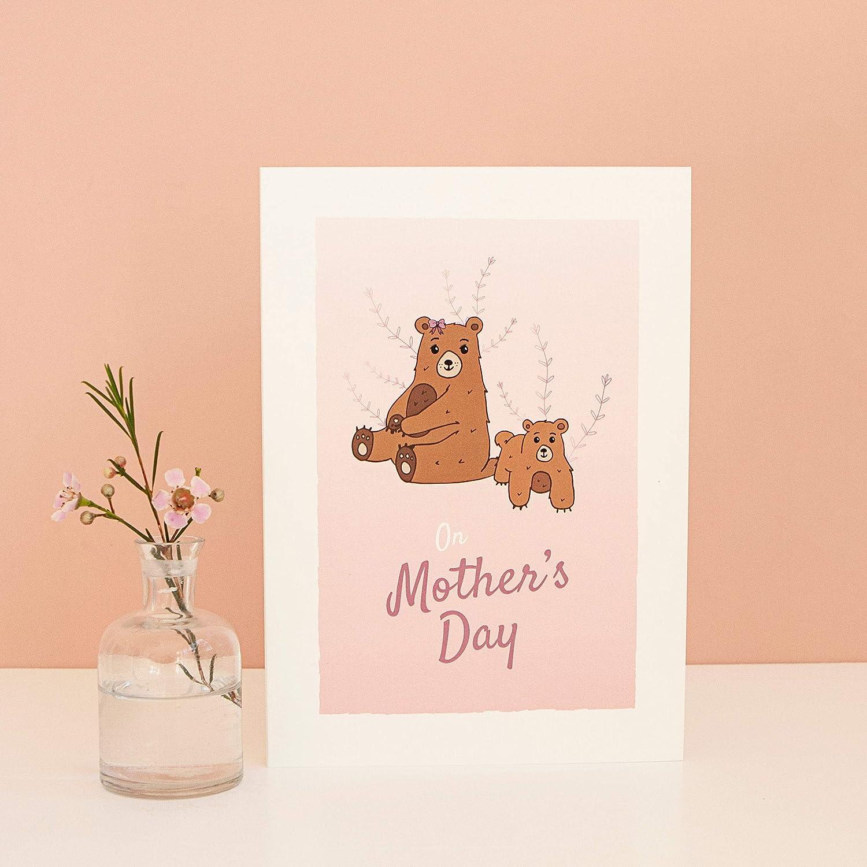 Tarjeta de felicitación para el día de la madre, día de la madre, día de la madre, día de la madre, oso mamá, figura de la madre, domingo de la madre, rosa, regalo, color Sobre plateado.