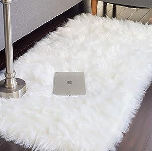 JTL Floorings White Fur Rug, Faux Sheepskin Rug for Bedside, Faux Fur Rug, White Fuzzy Rug, White Fluffy Rug, White Shag Rug (2.3 x 5 feet) Furry Rugs for Bedrooms, White Fur Rugs for Bedroom Carpet