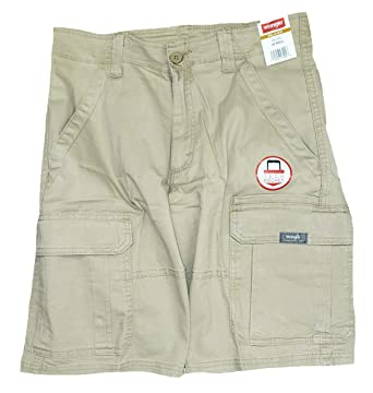 8f076450cd Wrangler Grain Relaxed Fit at Knee Flex Cargo Shorts Brown | Amazon.com