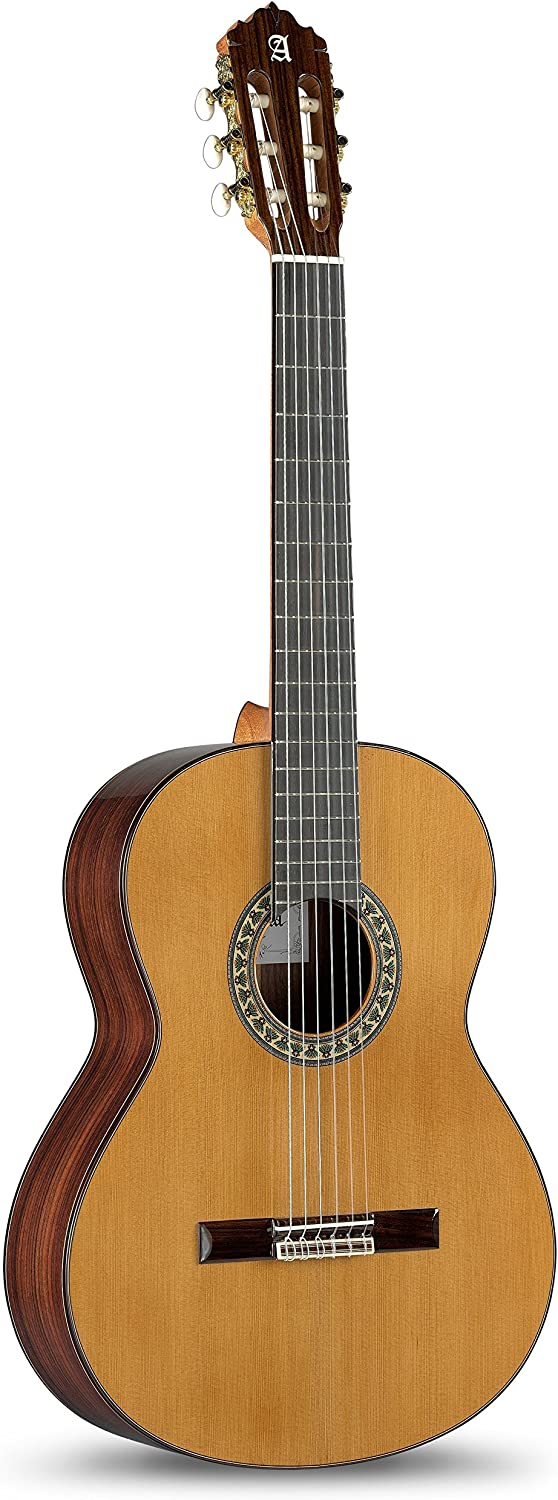 Alhambra 5P Classical Guitar Review! w/ 6 Strings 2