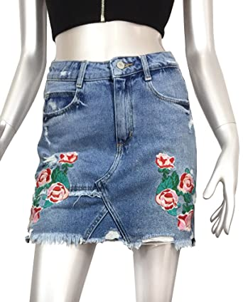 8be664d2bc Zara Women Embroidered denim mini skirt 6688 207 (Small)  Amazon.ca   Clothing   Accessories