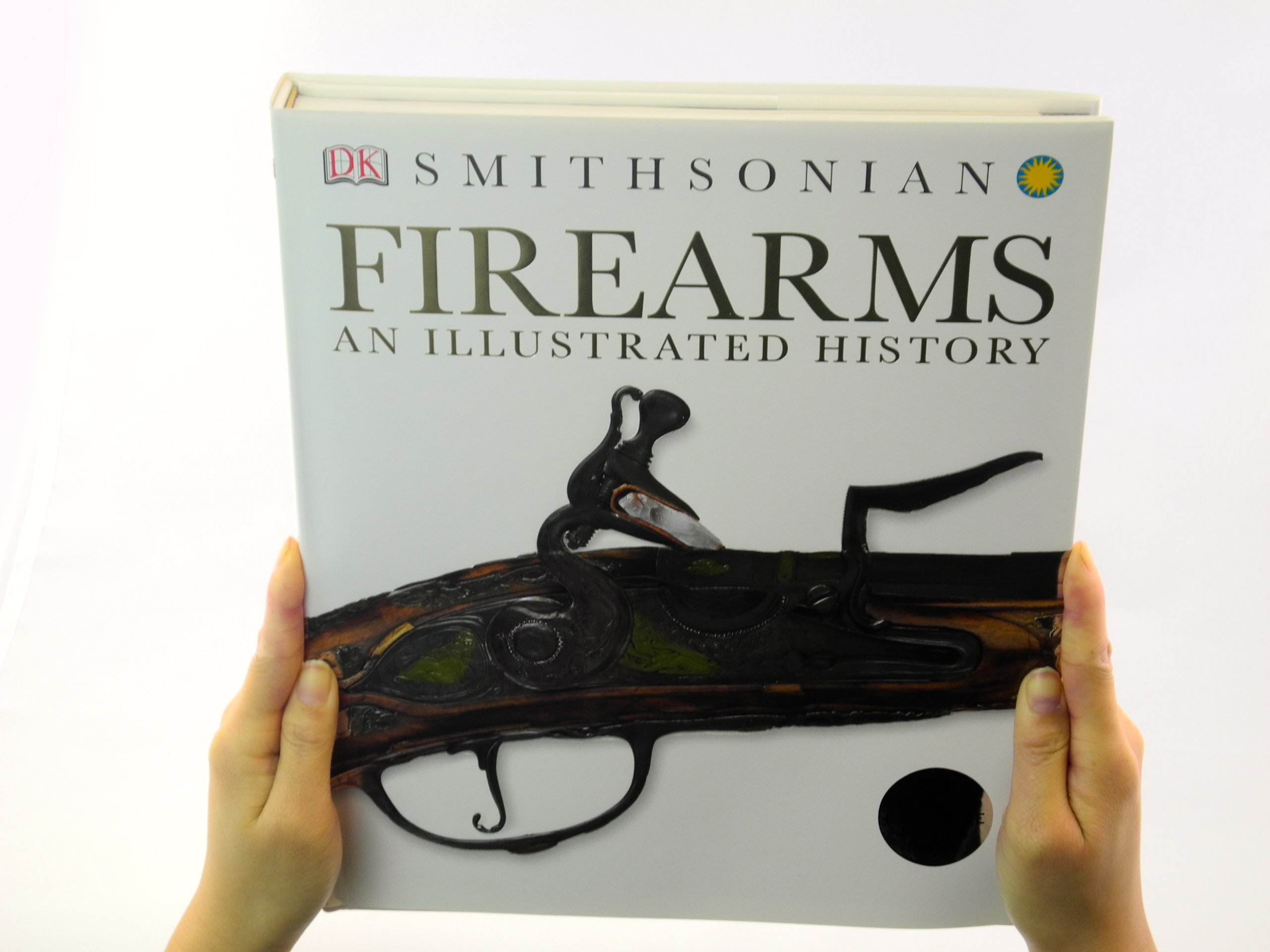 Amazon Firearms An Illustrated History DK