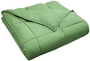 Superior Classic All-Season Down Alternative Comforter with Baffle Box Construction, Full/Queen, Terrace Green