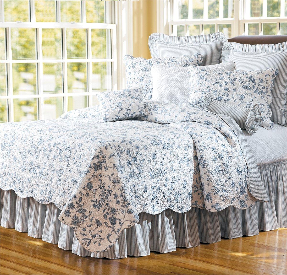 C & F Enterprises Williamsburg Brighton Blue Quilt - Full/Queen