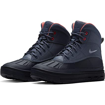 watch 3b203 8f3dd Amazon.com  Nike Boy s Woodside 2 High Snow Boots Diffused Blue Thunder  Blue 4  Sports   Outdoors