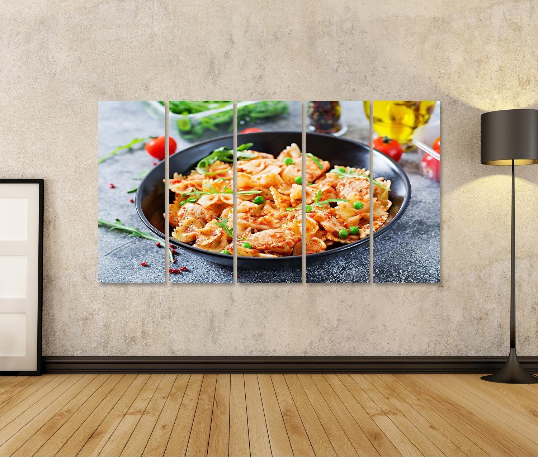 islandburner Cuadro Farfalle Pasta con Filete de Pollo, Salsa de Tomate y Guisantes. Comida Hecha en casa. Comida Italiana. Menú Impresión Sobre Lienzo ...