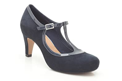 Clarks Womens Smart Clarks Chorus Thrill Suede Shoes In Navy Wide Fit Size 2