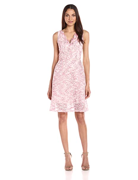 70b0834fb0 Adrianna Papell Women s Ombre Lace Fit   Flare Dress  Amazon.in  Clothing    Accessories