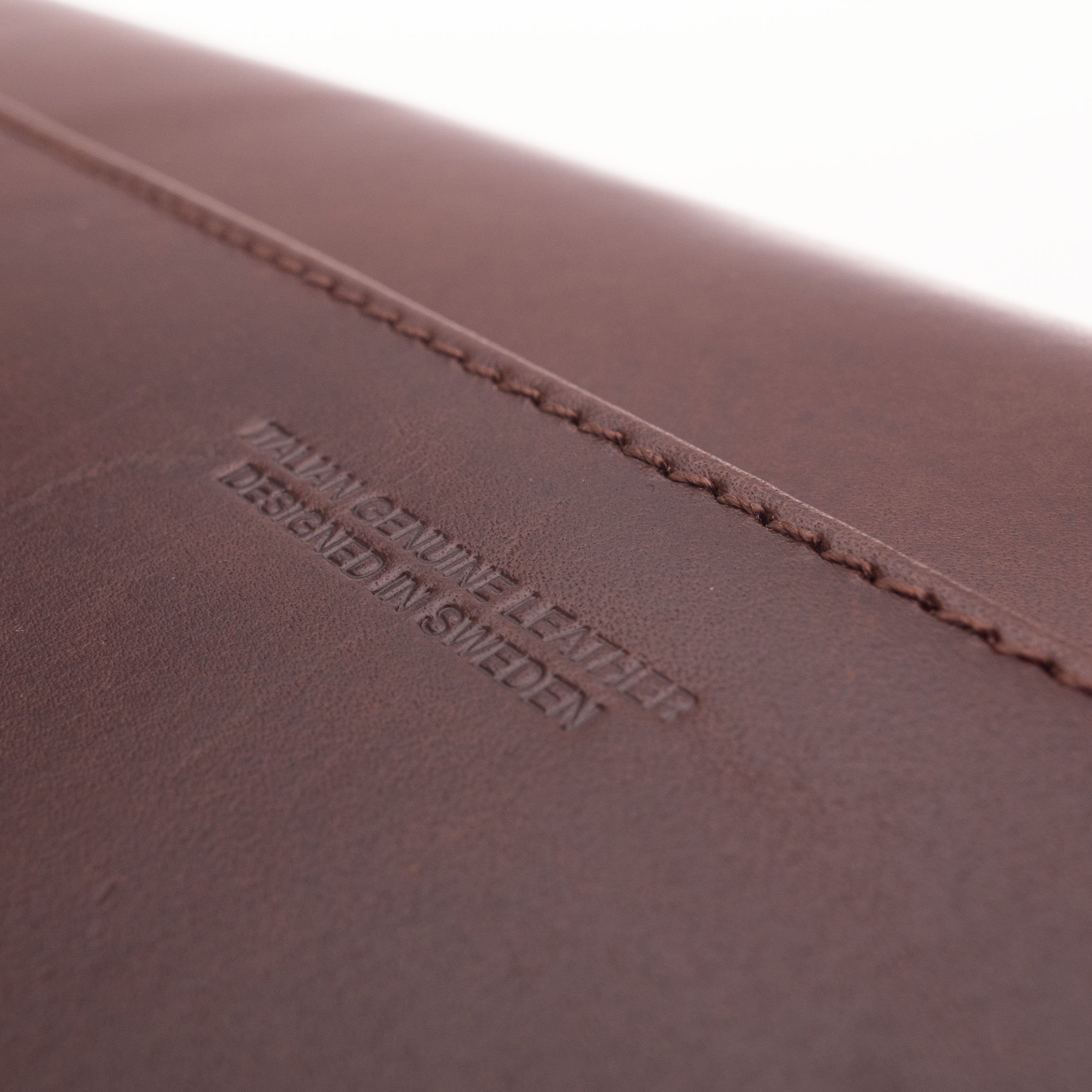 Kasper Maison Italian Leather Laptop Sleeve for 15 Inch Macbook Pro 2016 / 2017 Touch Bar – Designed Envelope Case for similar computer, notebook and ultrabook sizes - Signature Gift Included by Kasper Maison (Image #7)