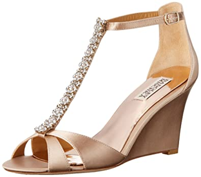 122f3496694b Amazon.com  Badgley Mischka Women s Romance Wedge Sandal  Shoes