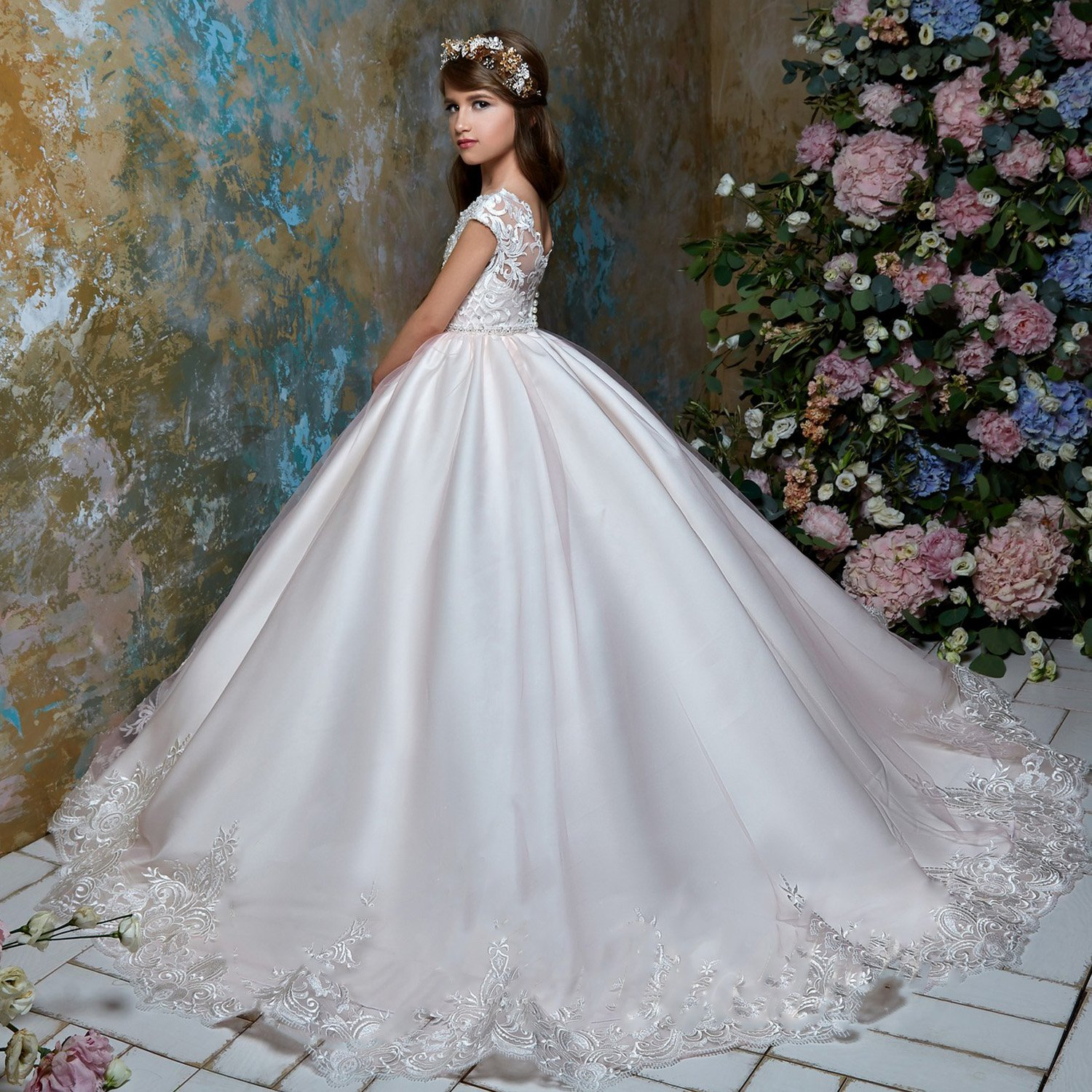 Amazon.com: SHENLINQIJ Flower Girls Dresses Long Vintage Lace First Communion Pageant Ball Gowns: Clothing