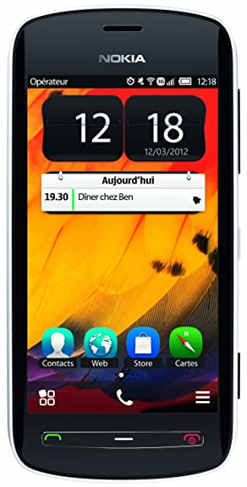 Nokia 808 PureView Unlocked Phone with a 41 MP Camera with Carl Zeiss  Optics--US Warranty (White)