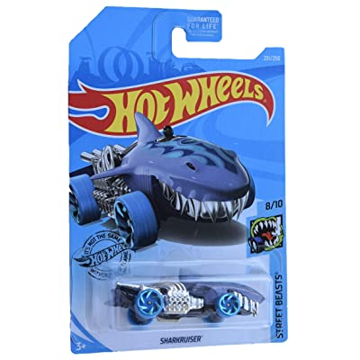 Hot Wheels Sharkruiser 231/240, Purple: Toys & Games