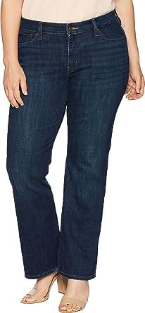 2627f34a14 Levi s Women s Plus-Size 415 Classic Bootcut Jeans at Amazon Women s ...