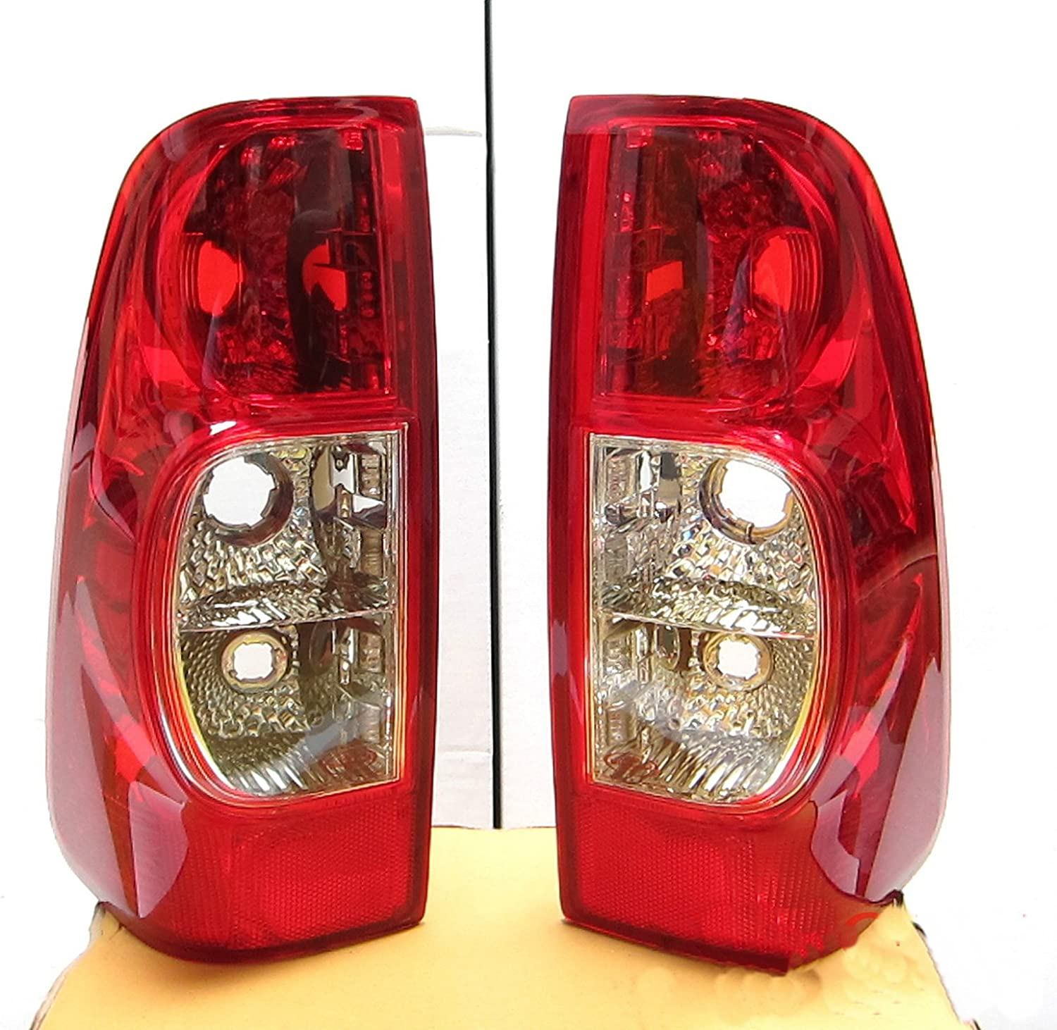 Rear Light RH//DRIVER,RIGHT SIDE for Isuzu DMax  pickup tail lamp WITH BULBS