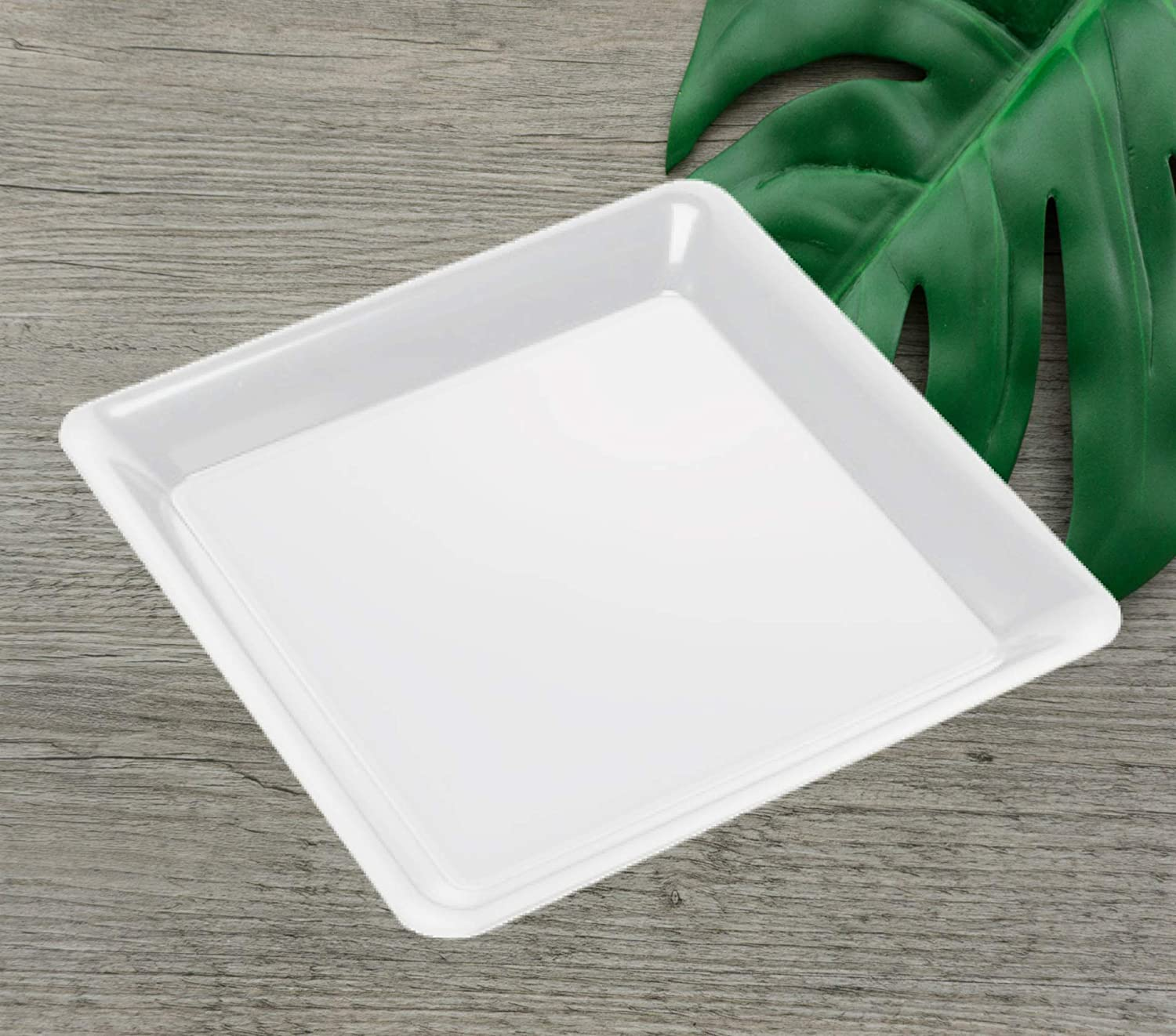 "4 12"" White Square Plastic Trays Heavy Duty Plastic Serving Tray 12"" x 12"" Unbreakable Serving Platters Food Tray Decorative Serving Trays Wedding Platter Party Trays Disposable Serving Party Platters"