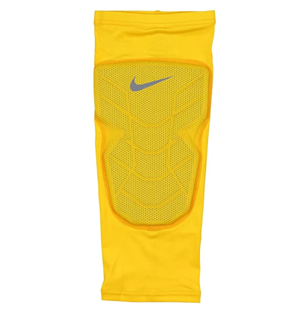 5fc3ba0bd Amazon.com : Nike Men's Pro Combat Hyperstrong Padded Basketball Knee  Sleeve Large Yellow Gray : Sports & Outdoors