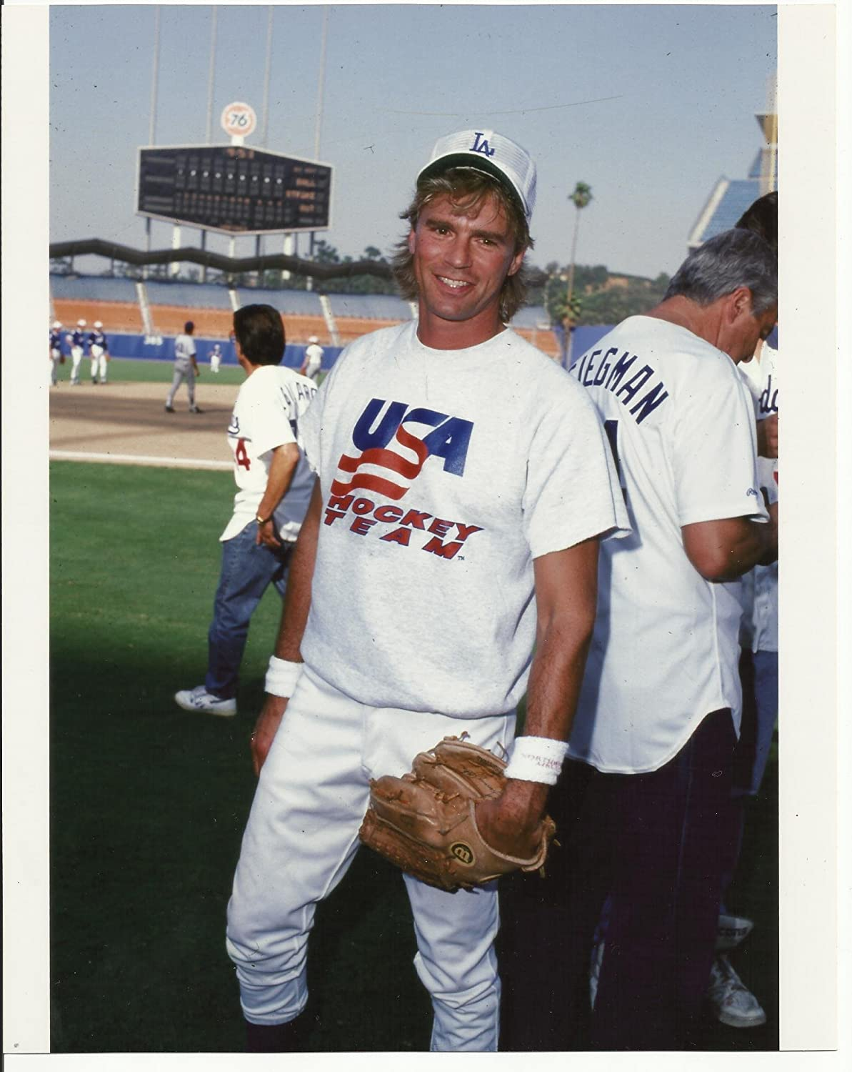 Richard Dean Anderson at Dodger Stadium Playing Baseball with Smile 8 x 10 Photo