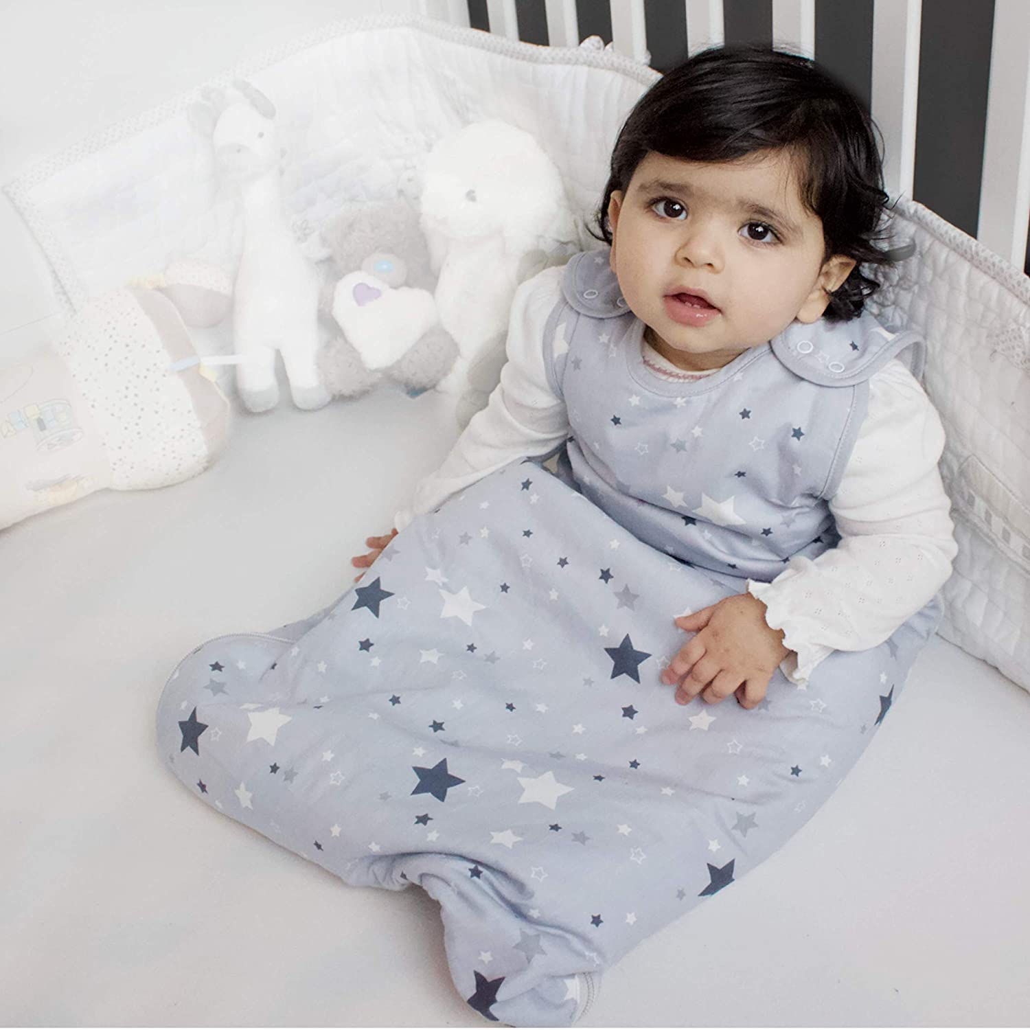 Grey Star 6-18 Months Baby Sleep Bag for Newborn Boy or Girl Be Babe Baby Sleeping Bag 2.5 tog Baby Blanket Swaddle Wrap Alternative for Cots Cribs and Travel Sizes 0-36m Two-Way Zip Opening