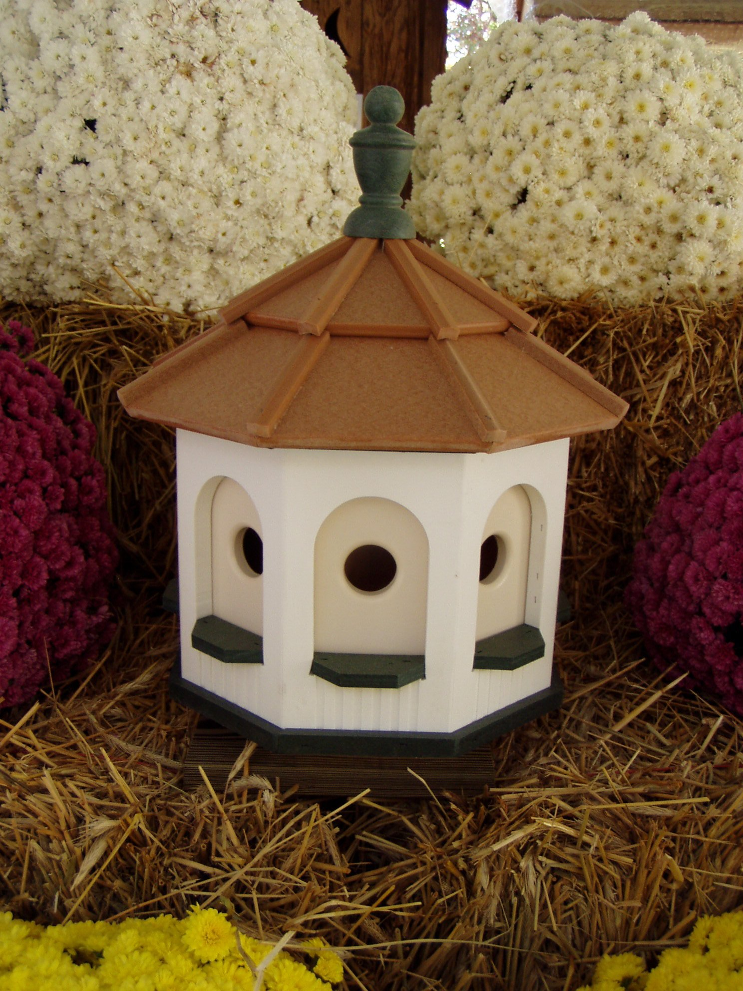 Medium Vinyl Birdhouse Amish Homemade Handmade Handcrafted White & Green