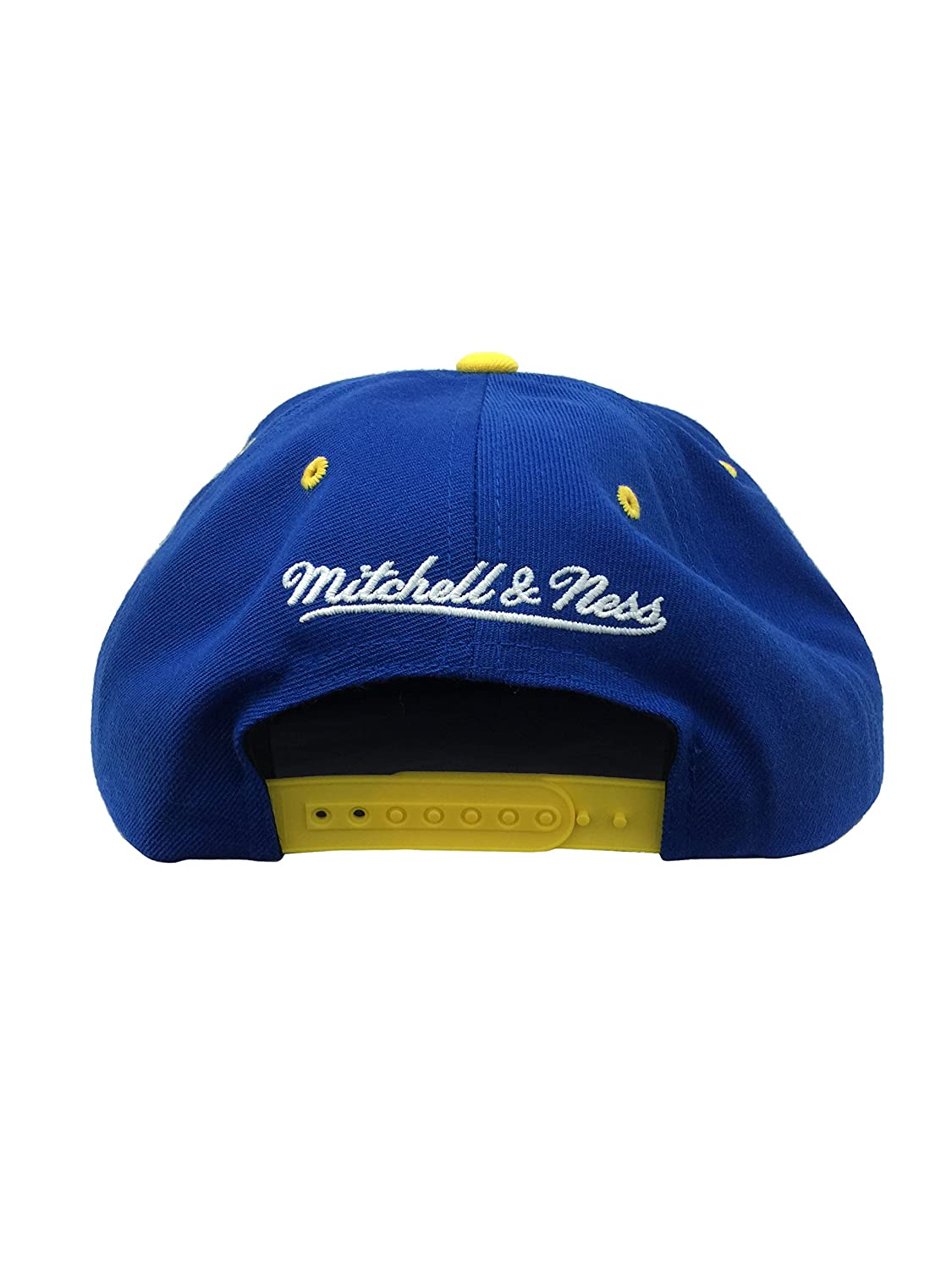 new concept a5937 608d3 Amazon.com   Mitchell   Ness Chicago Bulls Solid Royal   Gold LHS  Quickstrike