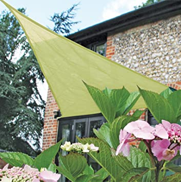 Superior Easy Gardener Sun Sail Triangle Sun Shade (5 Year Sun Shade, Blocks Up To