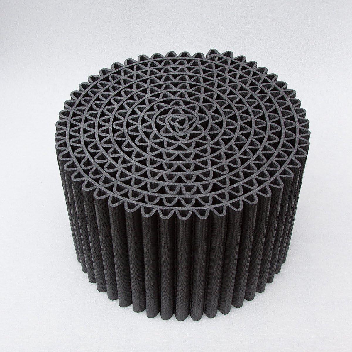 Diametro: 55 cm nero e bianco altezza: 36 cm Disponibile in due colori classici Il Pouf Leggero /è pi/ù di una semplice seduta: si reinventa facilmente diventando un tavolino da salotto Colore: bianco caldo p un comodino o un poggiapiedi