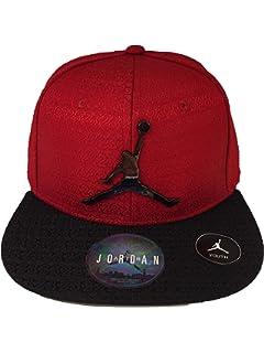 c522fbfb Amazon.com: NIKE Youth Air Jordan Reflective Brim White Snapback Cap ...