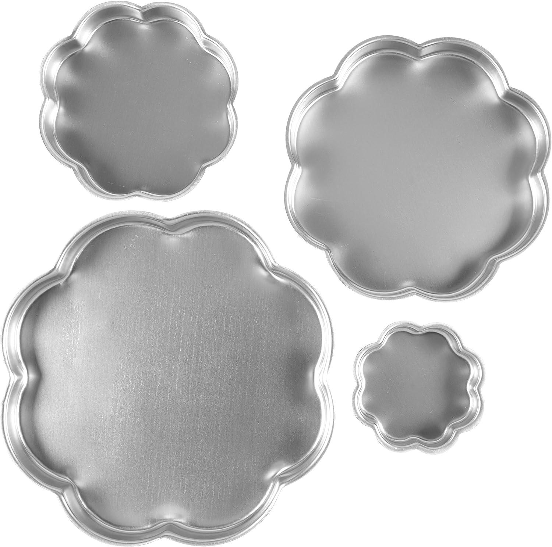 مجموعة صواني كيك من ويلتون على شكل بتلات 4 قطع
