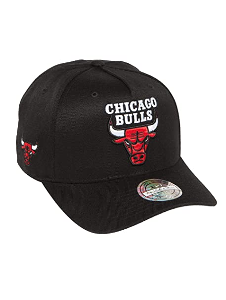 Mitchell   Ness Chicago Bulls INTL132 110 Curved Eazy NBA Flexfit Snapback  Cap One Size  Amazon.it  Abbigliamento a402c78c440e