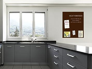 Pareti Di Lavagna : Piccola sala da pranzo con parete di lavagna u foto stock