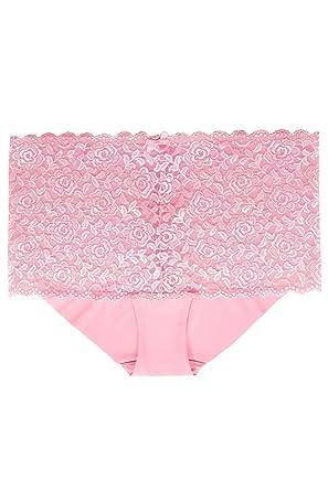 8cee17b6fdfa8 Yours Clothing Women s Plus Size Rose Shine Lace Shorts  Amazon.co ...