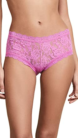 56cd72854bd Hanky Panky Women s Signature Lace Boy Shorts at Amazon Women s Clothing  store