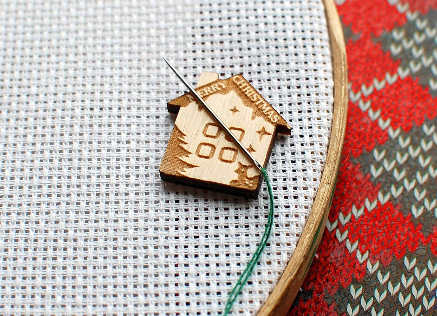 Sewing- V Strong Magnet Magnetic Wooden Needle Minder Cross Stitch Embroidery