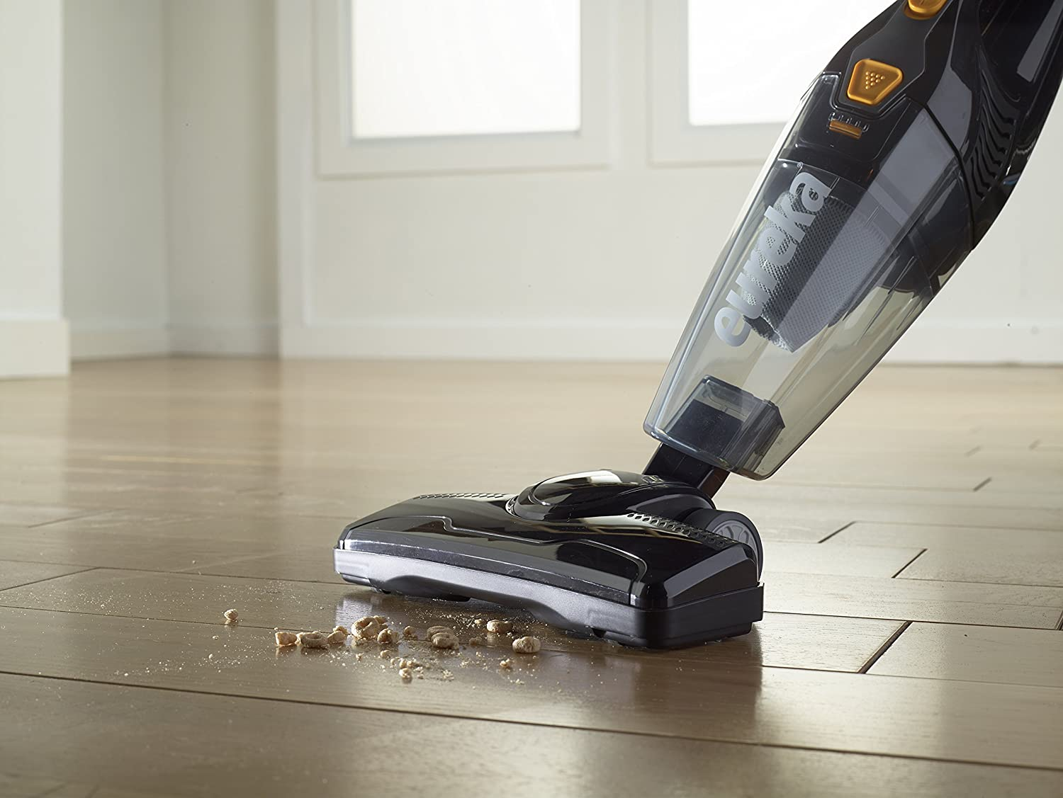 The 10 Best Vacuum Cleaners In 2018: Sharp, Compact And Quiet 12