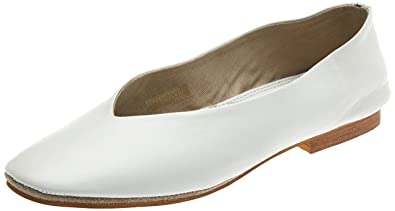 Womens Sariah Closed Toe Ballet Flats Musse & Cloud 5P2am