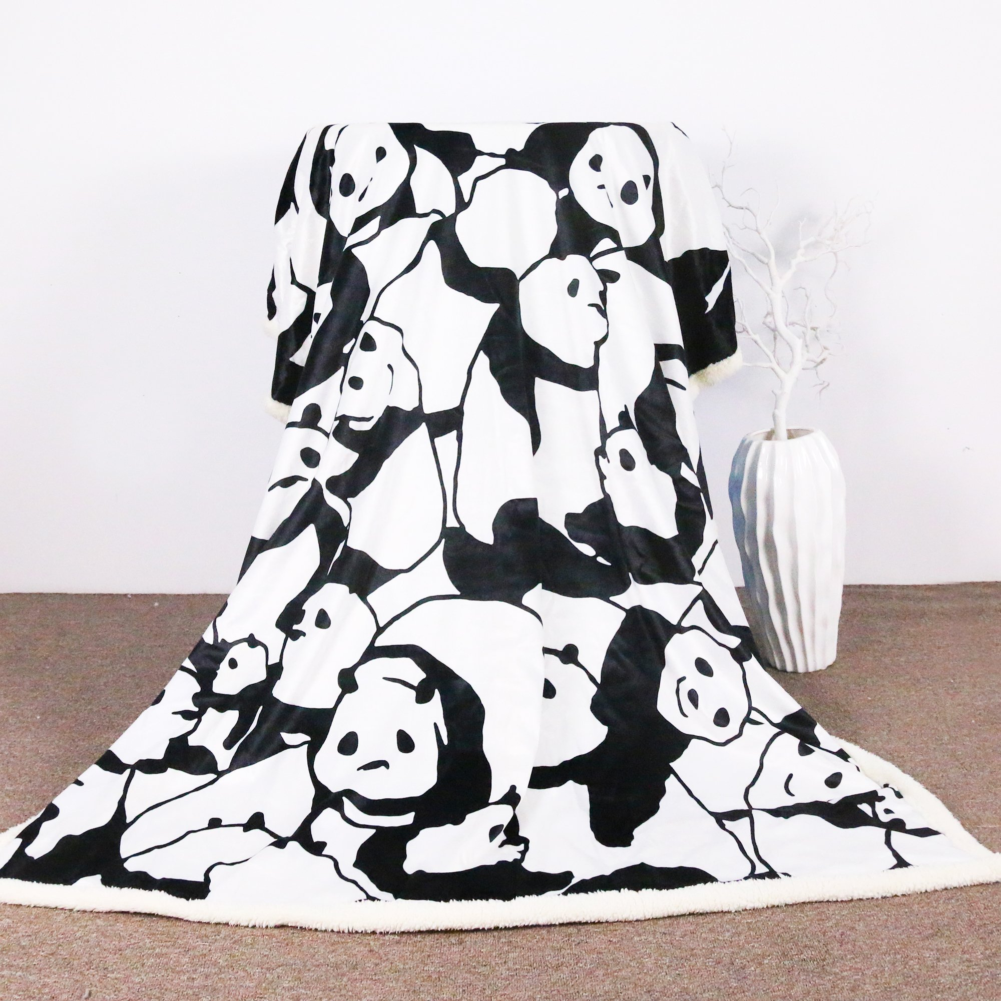 Sleepwish Panda Plush Blanket Cartoon Animal Throw Blanket Cute Panda Bears Graphic Pattern Kids Blankets Fleece (50x60 Inches)