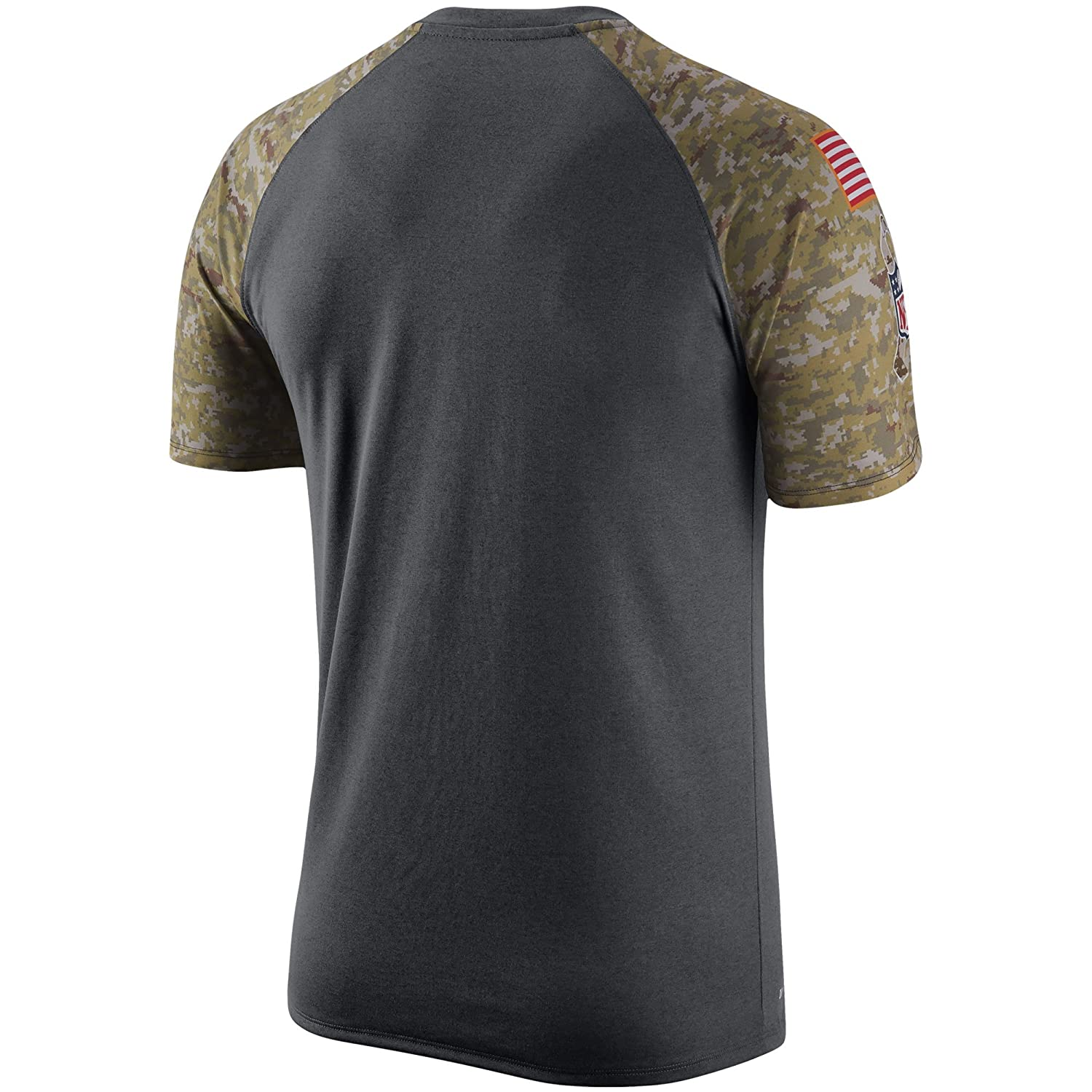 c21493cb6 Amazon.com   Nike Green Bay Packers Salute To Service Raglan Performance  Anthracite Camo Shirt - Men s Large   Sports   Outdoors