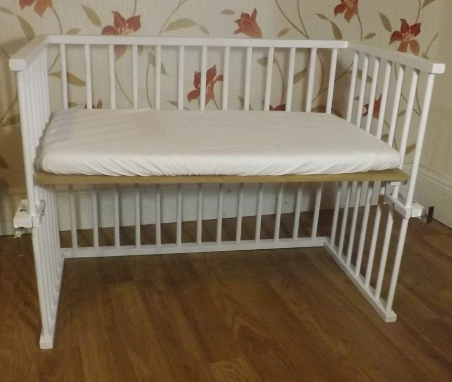 New Baby White Next to Mum Bedside crib Next to Bed Side by Side Crib Cot With Deluxe Breathable Mattress Different Position a b c