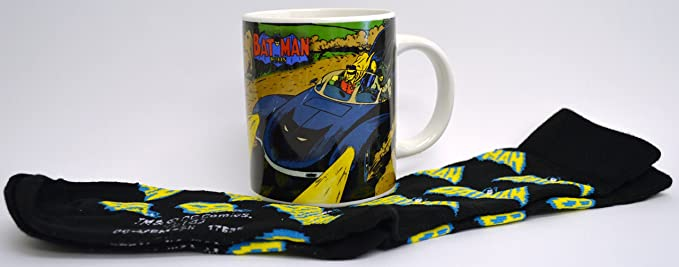 Juego de taza y calcetines vintage de Batman: Amazon.es: Juguetes y juegos