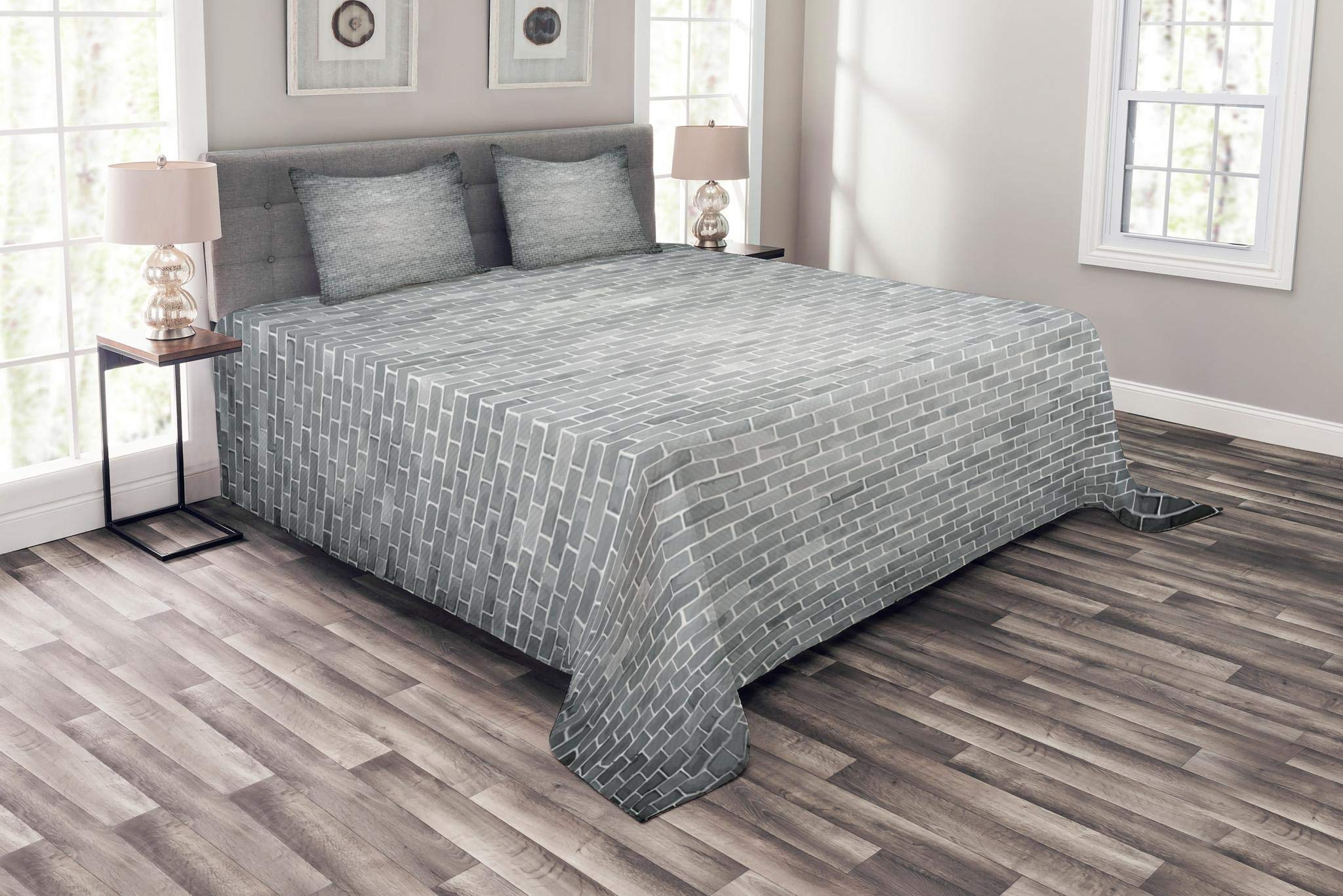 Lunarable Modern Bedspread Set King Size, Grunge Brick Wall Featured Urban Life Construction Architecture Artisan Photo Unity Print, Decorative Quilted 3 Piece Coverlet Set with 2 Pillow Shams, Grey