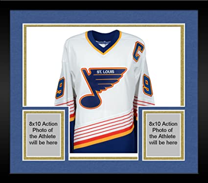 Image Unavailable. Image not available for. Color  Framed Wayne Gretzky St. Louis  Blues Autographed White CCM Jersey ... c367589c5f8