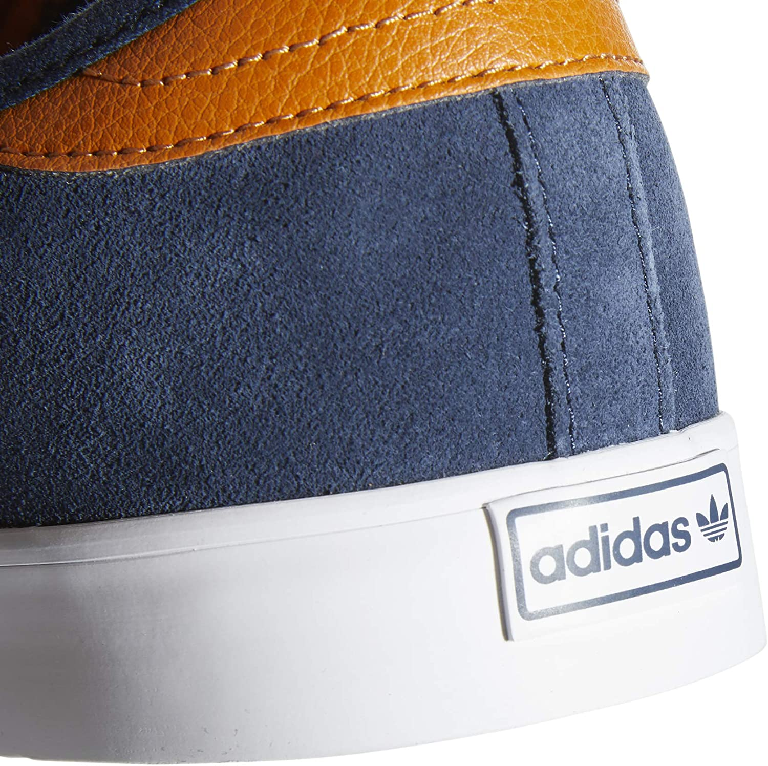 Chaussures Adidas Seeley: : Sports et Loisirs