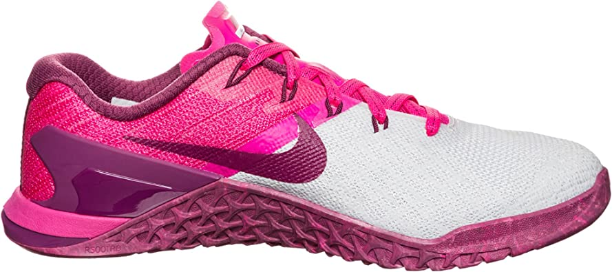 chaussures fitness femme nike metcon