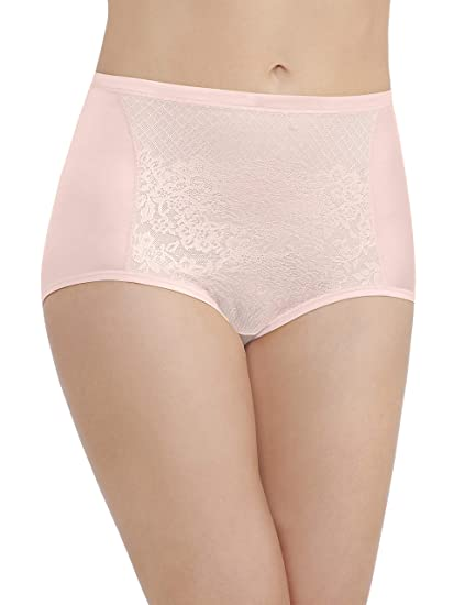 bef63102067 Vanity Fair Women's Smoothing Comfort with Lace Brief Panty 13262,  Champagne, Medium/6